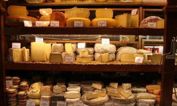 На Украине польский сыр оказался фальсификатом